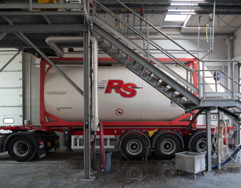 tank cleaning in Rubino RS company